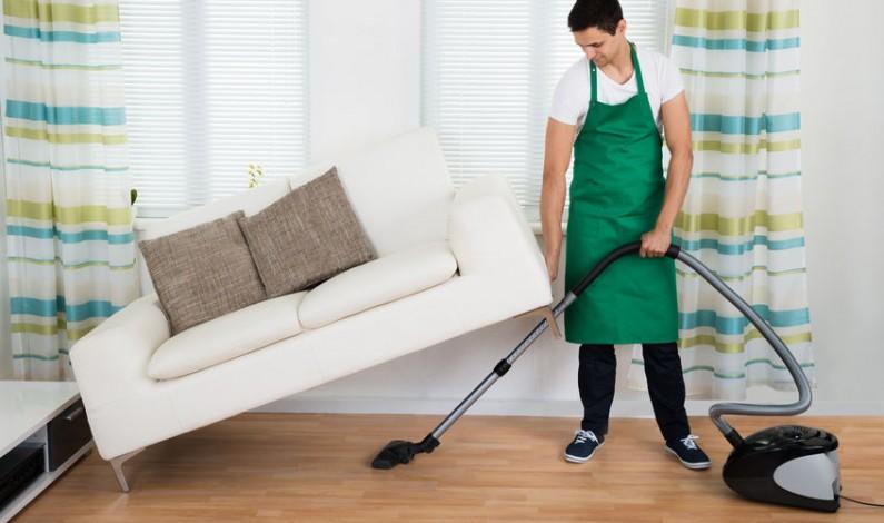 Strojové čištění vyčistí podlahu tak dokonale, že se na ní bez obav mohou batolit i děti