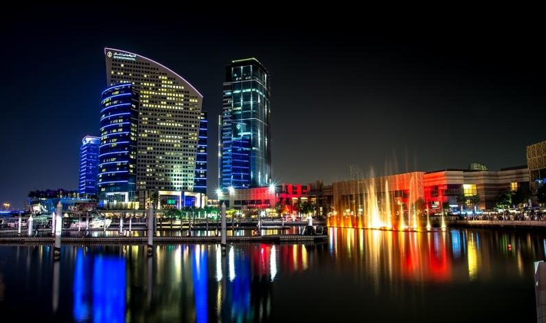 Nejvyšší hotel na světě a lyžařské centrum na nákupním středisku – vítejte v Dubaji!