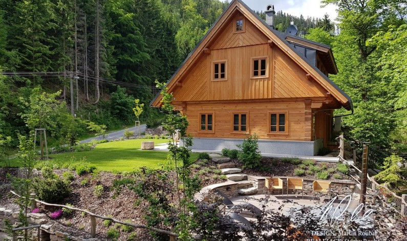 Moderní interiéry a tradiční krkonošská pohostinnost – to je chalupa Brusírna