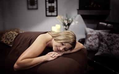 Odvažte se a dopřejte si erotickou masáž! zážitek, na který jistě jen tak nezapomenete!
