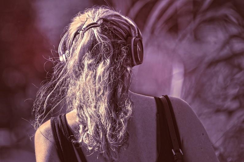 Poslouchejte svou oblíbenou hudbu kvalitně a kdekoli!