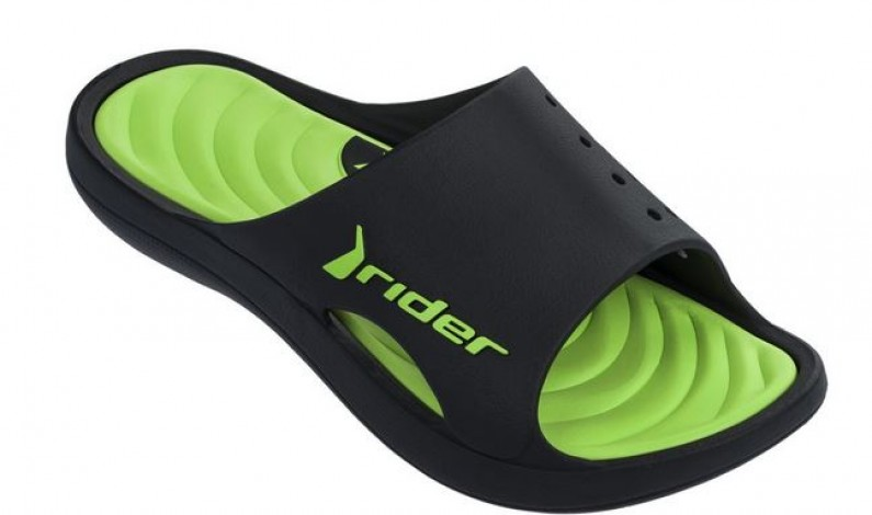 Trendové sandály na léto