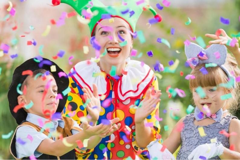 Zábava pro děti, která je nikdy neomrzí? To je projekt Fešák Píno & Friends!